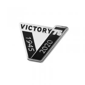 VE Day pin badge 1
