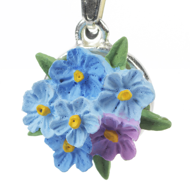 forget me not necklace detail