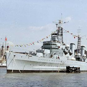 "<div class=""branch-detail__column--tagline"">